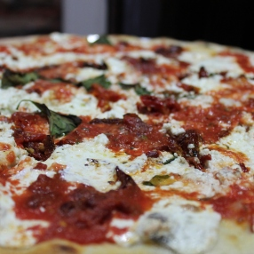 Ricotta and Sun-dried Tomatoes Pizza